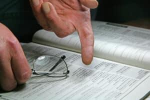 Möchten Sie Ihre fondsgebundene Lebensversicherung endgültig kündigen, sollten alle Vertragsdetails bekannt sein.