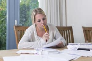 Die Berechnung der Garantieverzinsung einer Lebensversicherung ist für den Laien schwer nachzuvollziehen.