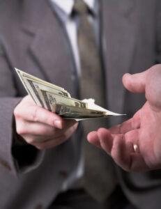 Bei der Kündigung einer fondsgebundenen Lebensversicherung gibt es imme finanzielle Verluste.