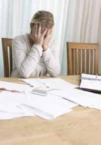 Ziehen Sie einen Experten zu Rate, der sich mit den Vor- und Nachteilen auskennt einer Kündigung der Kapitallebensversicherung auskennt.