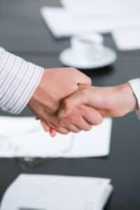 Eine gemeinsame Lösung mit dem Versicherer ist nötig, wenn Sie Ihre Lebensversicherung beitragsfrei stellen möchten.