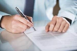 Eine Lebensversicherung hat einen Vertrag als Grundlage.