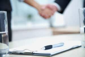 Ein Lebensversicherungsvertrag dient sowohl der Absicherung des Versicherungsnehmers als auch des Versicherers.